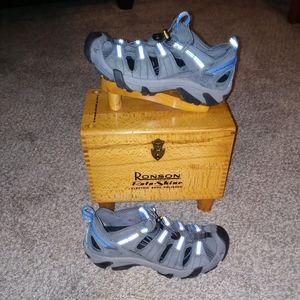Pre-owned worn 1x mens keen sandals